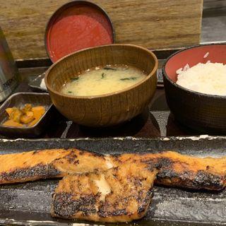 サーモンハラス干し定食(ご飯大)(しんぱち食堂 新宿店 )