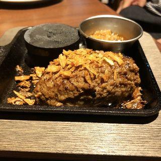 ハンバーグ(炭火とワイン四条fuyacho店)