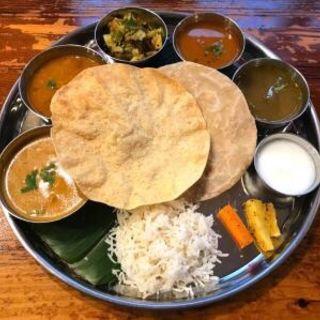 南インドの定食 ミールス(南インド食堂 ビーンズ オン ビーンズ(Beans on Beans))