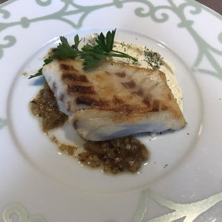真鯛のソテー クリームチーズソース(渋谷ロゴスキー 銀座本店)