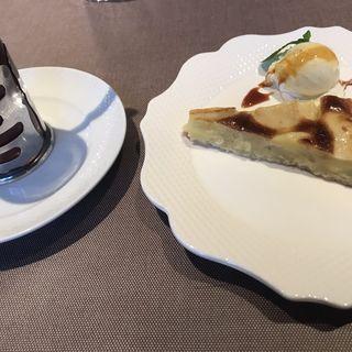 りんごのタルト ロシア紅茶(渋谷ロゴスキー 銀座本店)