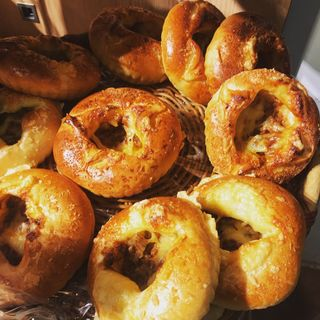 ボロネーゼ&ポテトのパン(リトルマーメイド アコルデ代々木上原店 (LITTLE MERMAID))