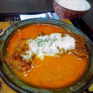 モッツァレラチーズのトマトかつ鍋定食(とんかつ屋 金太郎)