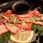 クジラ刺身の生姜醤油