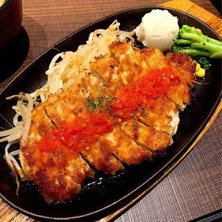 鶏むねガーリック醤油ステーキ(九志焼亭 大手町フィナンシャルシティー グランキューブ店)