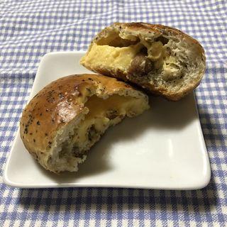 紅茶とイチジクのクリームパン(ゴジュウニチョウメベーカリー (52CHO-ME BAKERY))