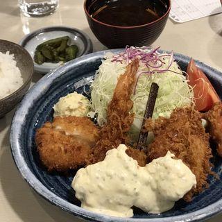 海鮮定食(とんかつ豚晴 なんばウォーク店 (とんはる))
