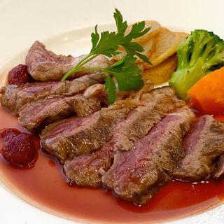 牛いちぼ肉のタリアータ フランボワーズソース(神戸屋レストラン 調布ヶ丘店 (コウベヤレストラン))