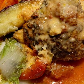 煮込みハンバーグ(トラットリア クイント)