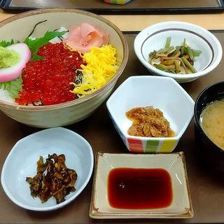 イクラ丼(どんぶり屋)