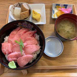 本鮪の極上脳天丼(旬菜旬魚 さくら)