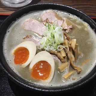 ナショナルニボグラフィック 煮卵・肉多(暗黒中華そば 雷電)
