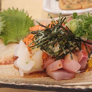 海鮮ユッケ(満まる)