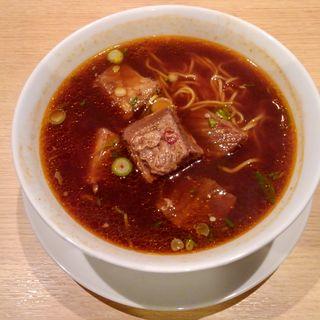 牛肉の煮込み麺