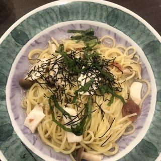 梅肉ときのこのオイルパスタ 大葉風味(鎌倉パスタ イオンモール神戸北店)
