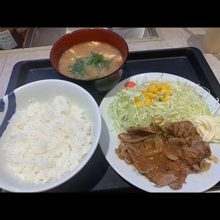 豚肩ロースの生姜焼定食(松屋 中野坂上店)