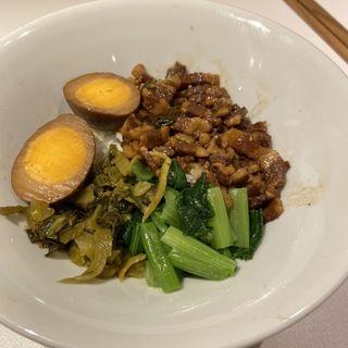 劉ママのルーロー飯(騒豆花 ホワイティ梅田)