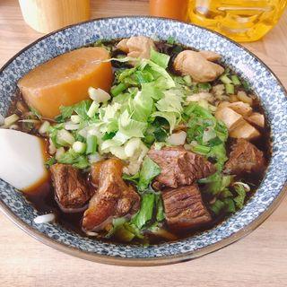 牛肉麺(バーン・メイ)