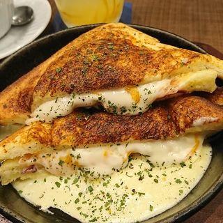3種のチーズのクロックムッシュ(倉式珈琲)