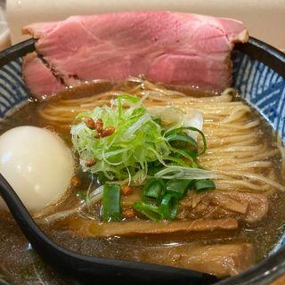 にぼしょうゆらーめん (煮たまごトッピング)(極麺 青二犀 (ゴクメン アオニサイ))