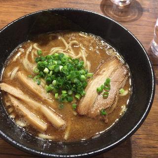 鰹だし豚骨醤油らーめん(麺屋タカモト)