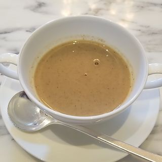 ごぼうとマッシュルームのスープ(東京ステーションホテル ロビーラウンジ )