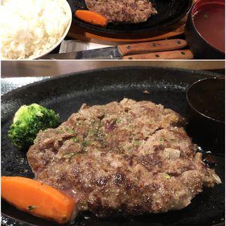 馬ハンバーグ定食(馬焼肉酒場 馬太郎 代々木店)