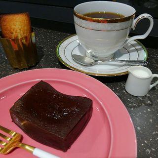 テリーヌショコラ(ドリンク+フィナンシェ)(ちひろ菓子店)