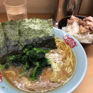 ラーメン+ライス(町田家 新宿南口店 (まちだや))