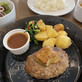牛肉100%フォアグラのせハンバーグランチ(スープ、ミニサラダ、ドリンク付)(Terrace 8890)