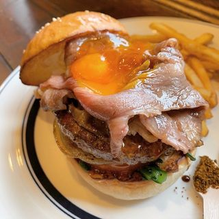 限定 すき焼きハンバーガー(アンバープレイス)