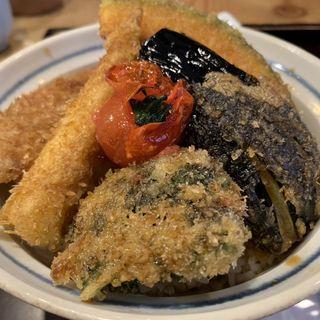 野菜タレカツ丼(新潟カツ丼 タレカツ 神保町本店 )