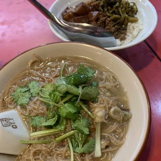魯肉飯・麻油鶏麺(小)
