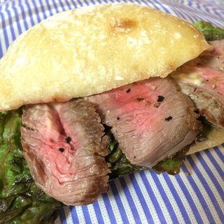 プライムアンガスビーフのステーキサンドイッチ