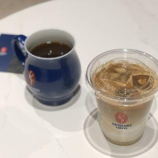 ラテ(GESHARY COFFEE)