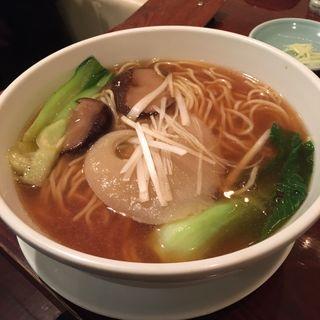 フカヒレ姿麺(廣東飯店)