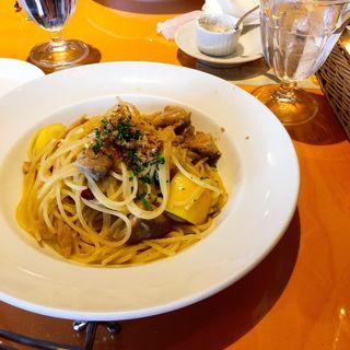 ランチパスタ 鳥もも肉とレモンのスパゲッティ 魚醤風味(トラットリア タンタボッカ (trattoria Tanta Bocca))