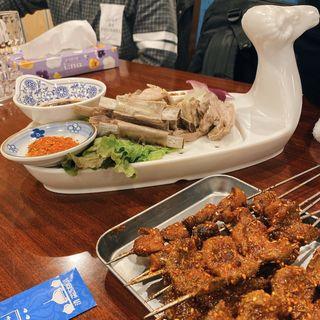手把羊肉(ゆでラム肉の特製たれ漬け)(アリヤ 清真美食 池袋店)