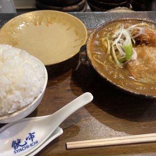唐揚げ&鶏肉カレー煮込み 豚しゃぶトッピング(鯱市 錦通伏見店 (シャチイチ))