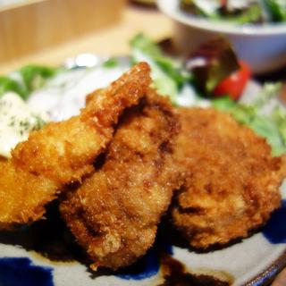 ミックスフライ定食(チロル食堂)