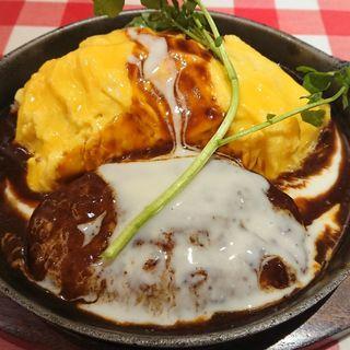 とろーり卵のデミグラス  ハンバーグオムライス(ラケル 横浜ノースポートモール店)