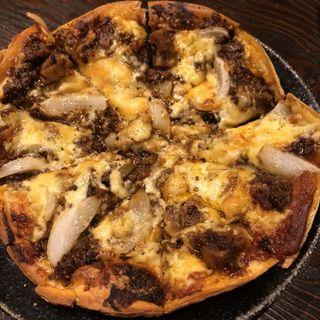キーマカレーのピザ