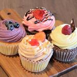 ストロベリーチョコ ブルーベリー ストロベリーチーズケーキ(ローラズ・カップケーキ 東京 (LOLA'S Cupcakes))