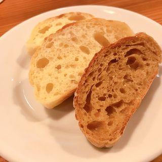 自家製パンの盛り合わせ(JET BAKER)