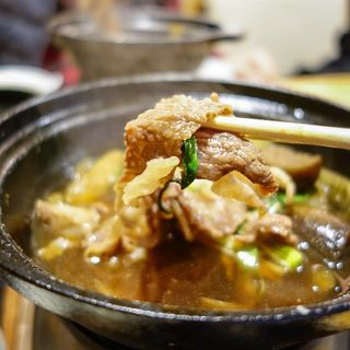 土佐あかうしと高知野菜のすき焼き御膳(おきゃく )