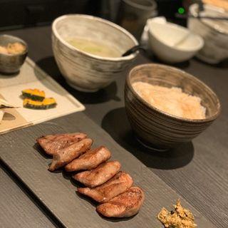 霜降り牛たん定食(牛たん若 六丁の目店)