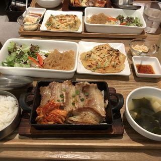 三元豚サムギョプサルセット(韓美膳 ルミネ横浜店)