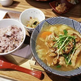 生姜焼き特製豚汁定食
