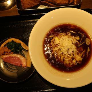 鴨出汁醤油そば(鴨出汁中華蕎麦麺屋yoshiki)
