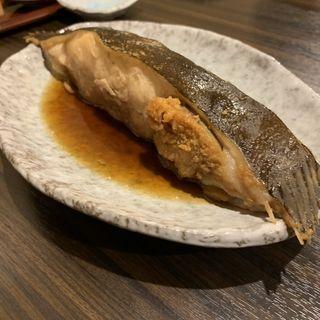 カレイの煮付け(炉ばた 万年青 神楽坂店)